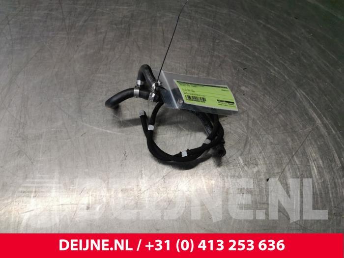 Brandstof retourleiding - Volvo V70