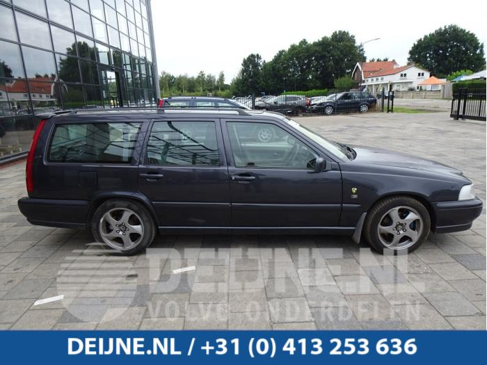 Scherm rechts-voor - Volvo V70