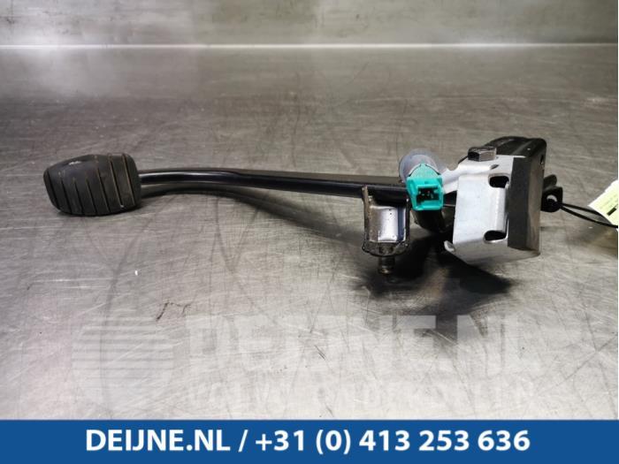 Rempedaal - Opel Vivaro