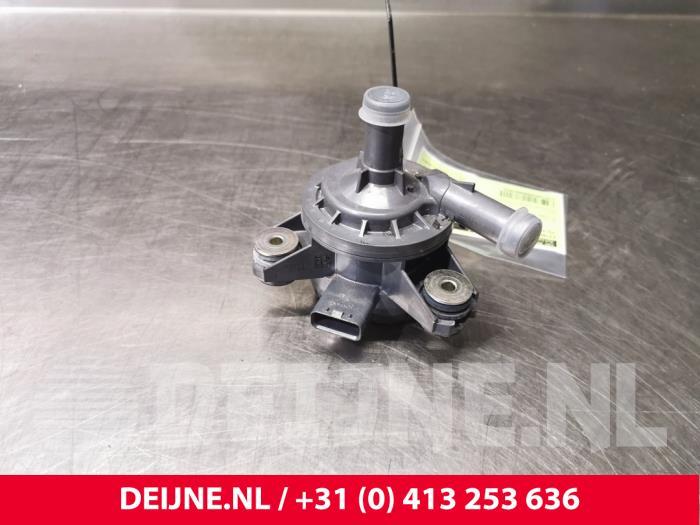 Extra waterpomp - Volvo V60