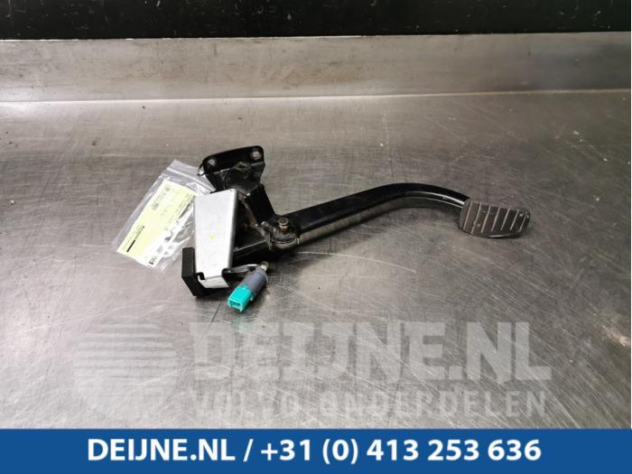 Koppelingspedaal - Opel Vivaro