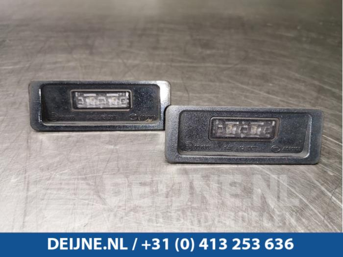 Kenteken Verlichting - Volvo V40