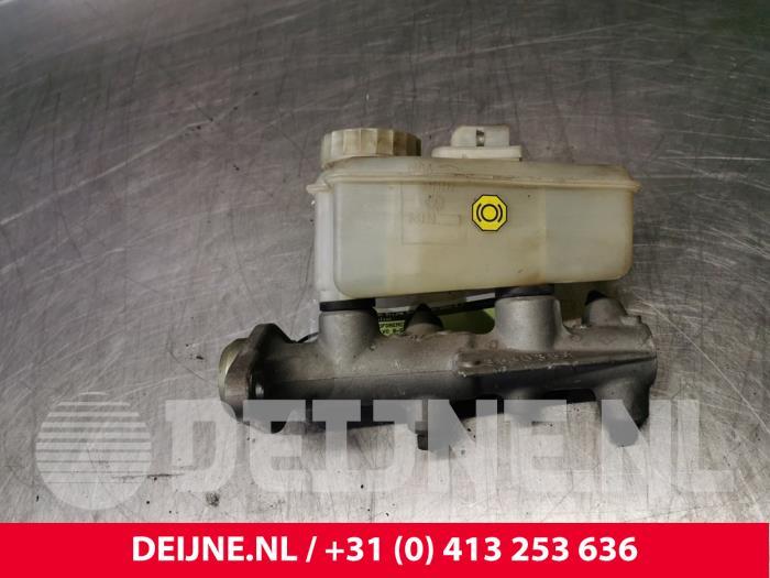 Hoofdremcilinder - Volvo 9-Serie