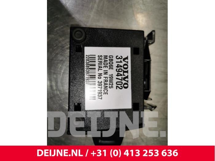 Simkaart houder - Volvo XC40