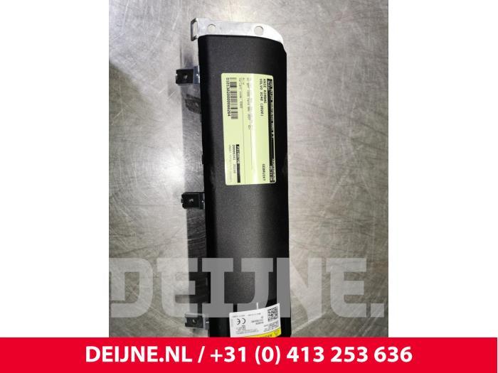 Knie airbag - Volvo XC40