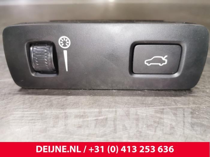 Cockpit dimmer - Volvo XC40
