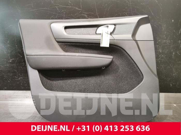 Portierbekleding 4Deurs links-voor - Volvo XC40