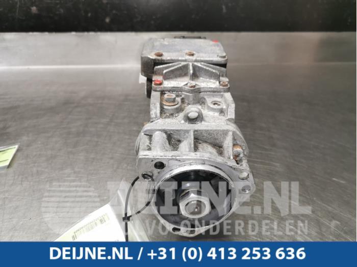 Brandstofpomp Mechanisch - Nissan Atleon