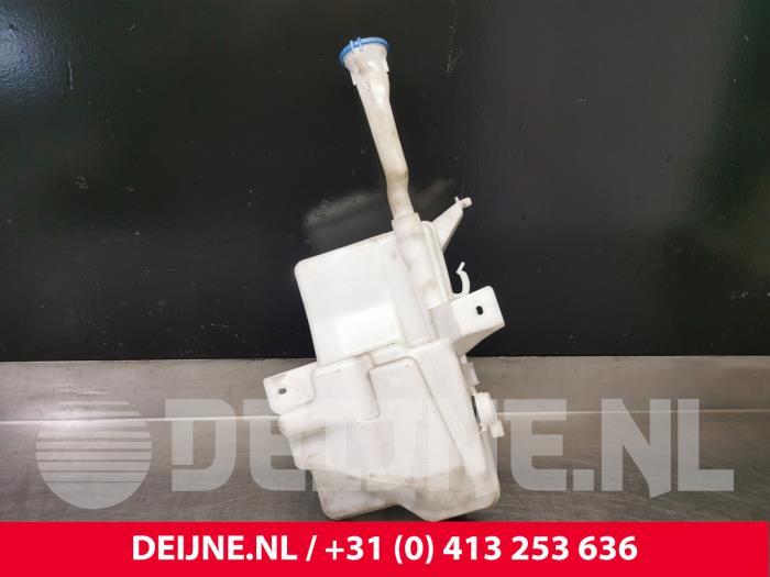 Ruitensproeiertank voor - Volvo V40