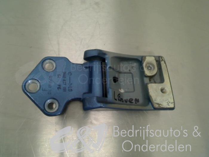 Scharnier deur links-achter - 47a3eee4-ee48-40ff-9b01-6f6ec3e14b3b.jpg