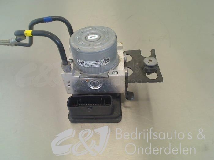 ABS Pomp - 5fadabf2-ca1c-4b14-809a-3a4e537e42db.jpg