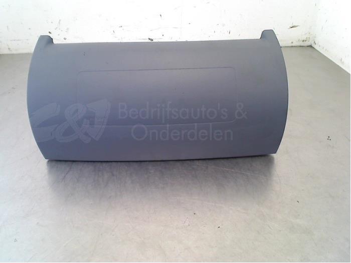 Airbag rechts (Dashboard) - 883badb9-72f7-4b87-8c13-e6b7c15cb672.jpg