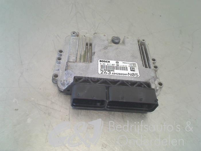 Computer Motormanagement - fc69bbb0-50b5-41d3-b9ad-863682f3fb67.jpg