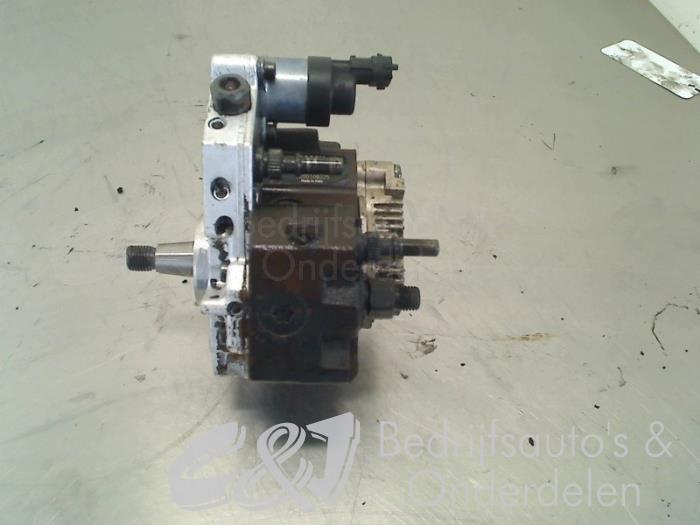 Brandstofpomp Mechanisch - c7f490df-e161-4a07-875b-494c2575ee79.jpg