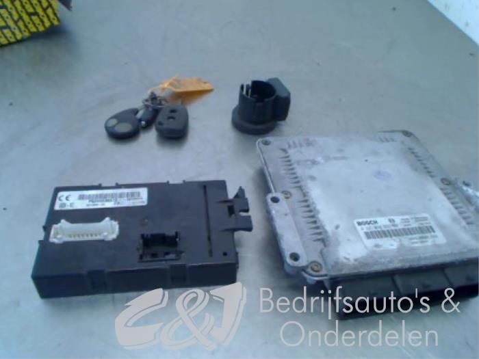 Computer Body Control - fccb2d42-7bd9-42c9-90fe-559441f2d717.jpg