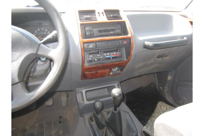 Nissan datsun terrano ii r20 tr50 2 7 tdi sloop for Climatisation interieur