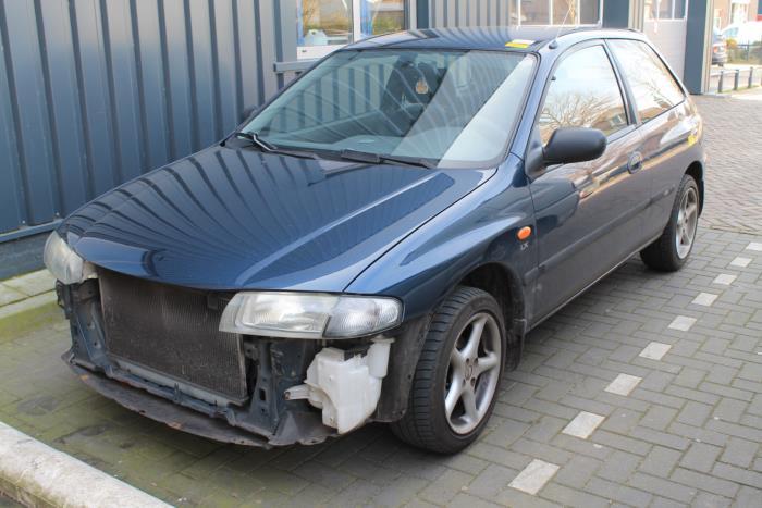 Mazda 323 P (BA15) 1.5i 16V