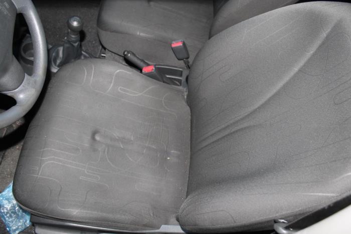 Toyota Yaris II (P9) 1.0 12V VVT-i