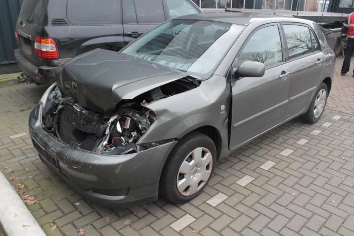 Toyota Corolla (E12) 1.6 16V VVT-i