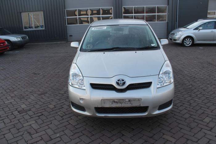 Toyota Corolla V 04-