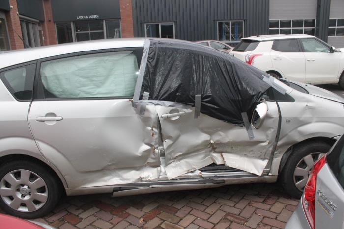 Toyota Corolla Verso (R10/11) 1.8 16V VVT-i