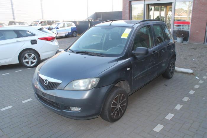 Mazda 2. 03-