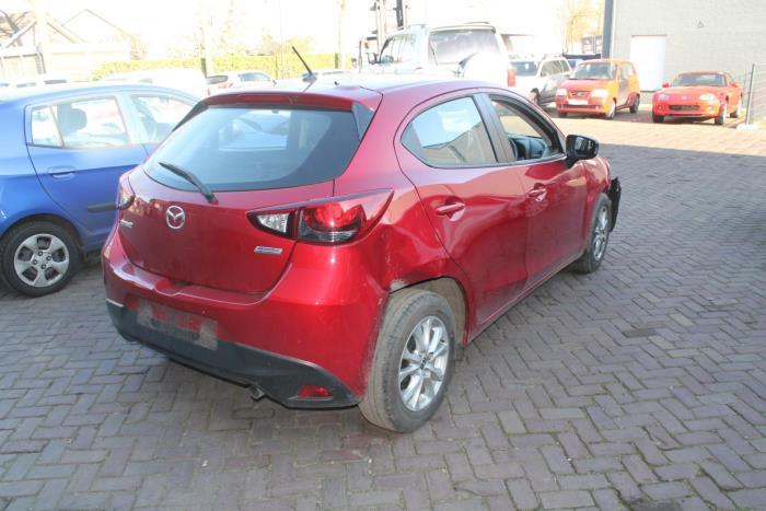 Mazda 2. 15-