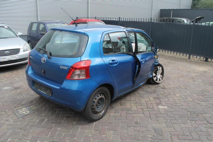 Toyota Yaris II (P9) 1.3 16V VVT-i