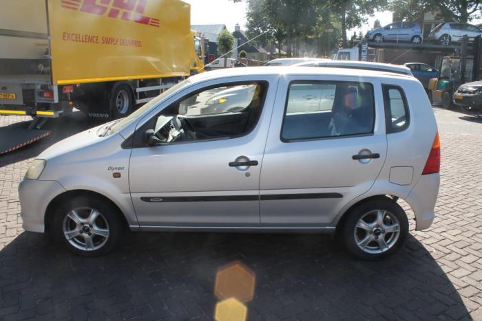 Daihatsu YRV (M2) 1.0 12V DVVT STi
