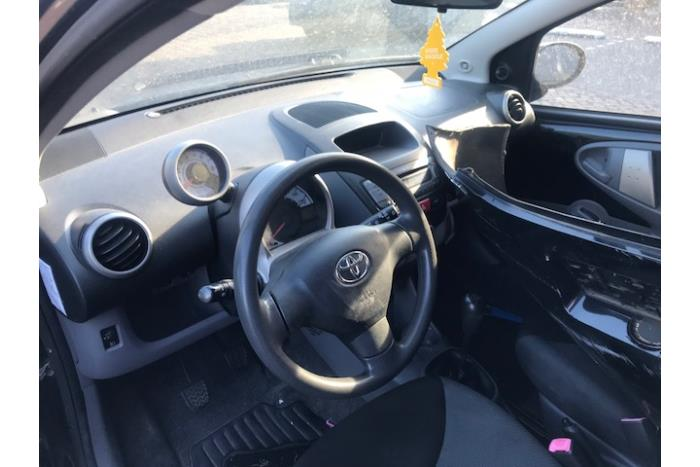 Toyota Aygo (B10) 1.0 12V VVT-i