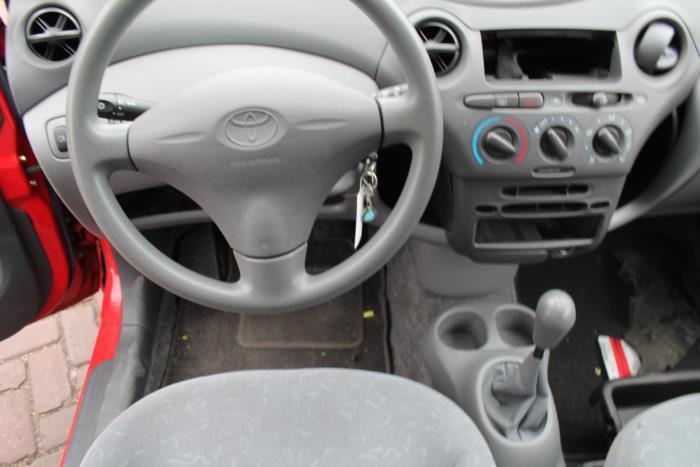 Toyota Yaris (P1) 1.3 16V VVT-i