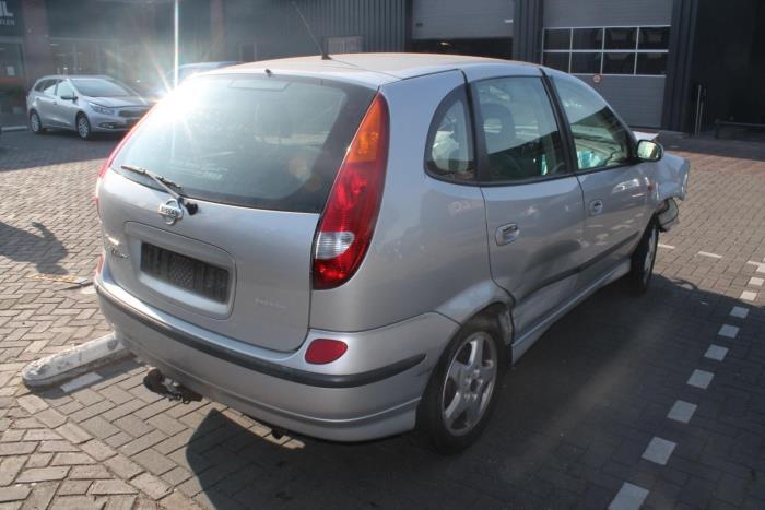 Nissan Almera Tino (V10M) 1.8 16V