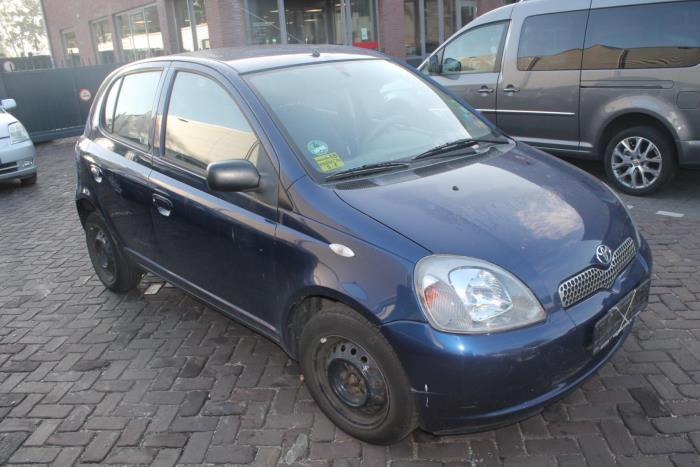 Toyota Yaris 1 00-