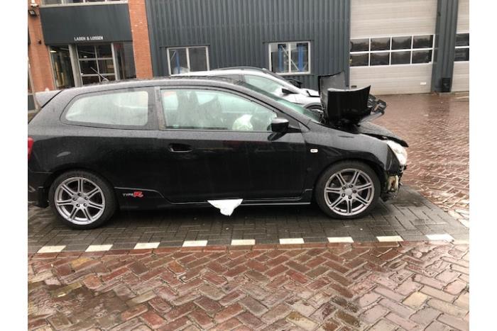 Honda Civic (EP/EU) 2.0 16V Type-R