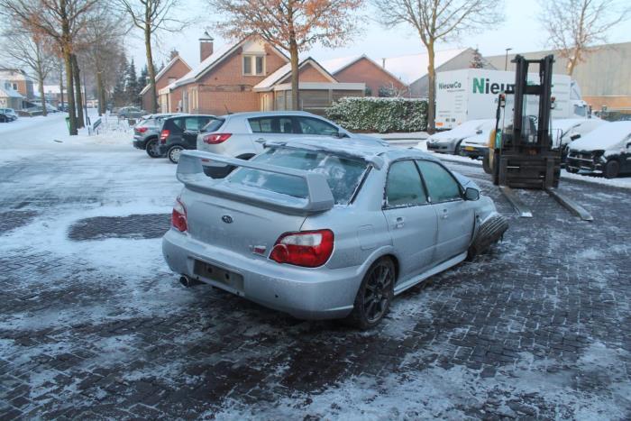 Subaru Impreza II (GD) 2.5 WRX STI 16V