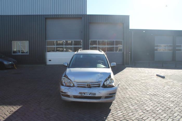 Toyota Avensis Verso (M20) 2.0 D-4D 16V