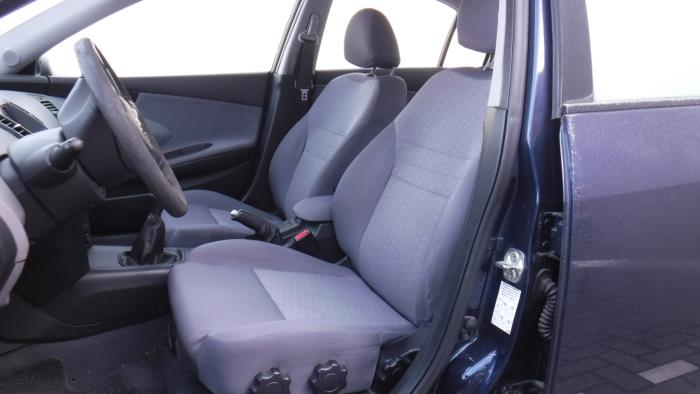 Nissan Primera (P12) 1.8 16V