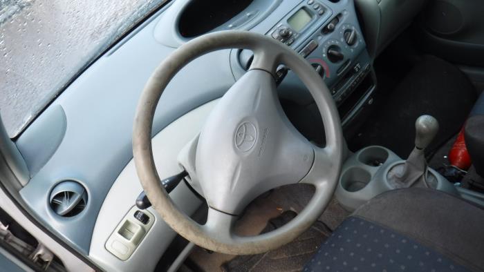 Toyota Yaris (P1) 1.0 16V VVT-i