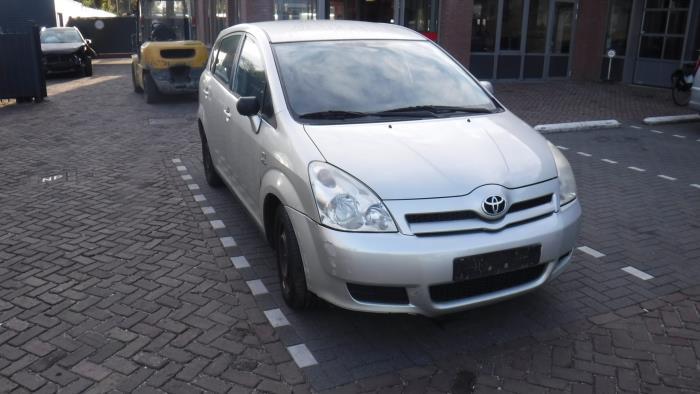 Toyota Corolla Verso (R10/11) 2.0 D-4D 16V