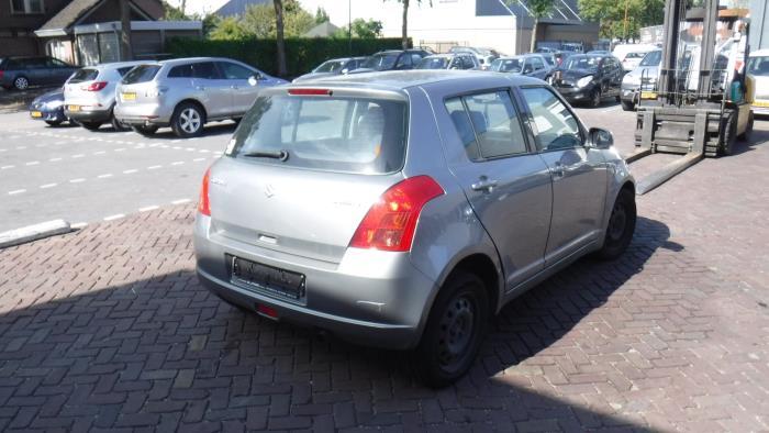 Suzuki Swift 05-