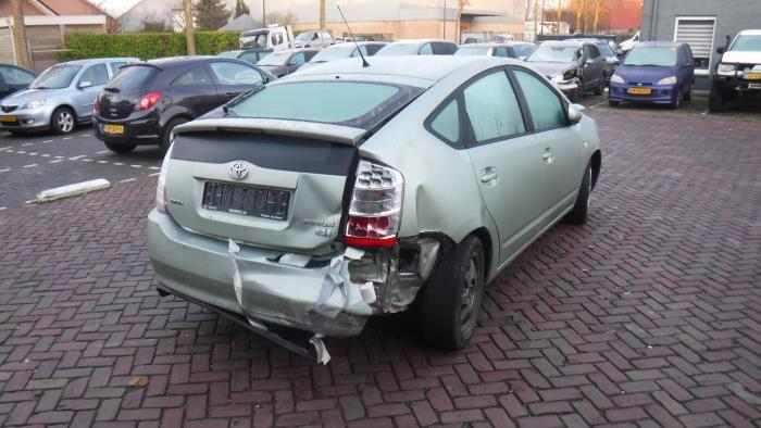 Toyota Prius (NHW20) 1.5 16V