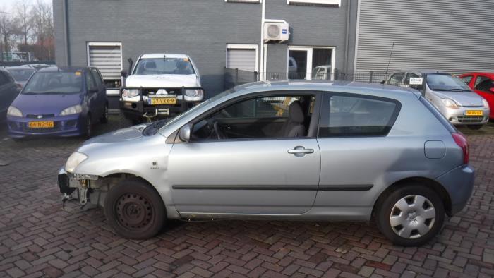 Toyota Corolla (E12) 1.4 16V VVT-i
