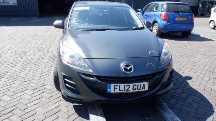 Mazda 3. 09-