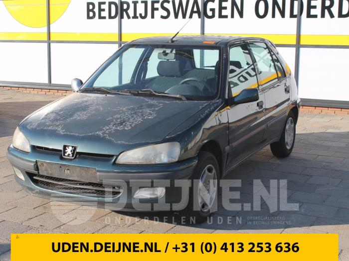 Portier 4Deurs rechts-achter - Peugeot 106