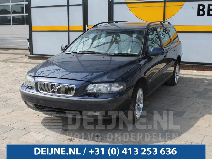 Tussenas - Volvo V70
