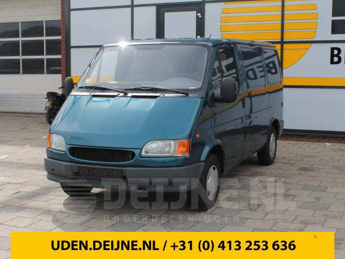 Achteras achterwielaandrijving - Ford Transit