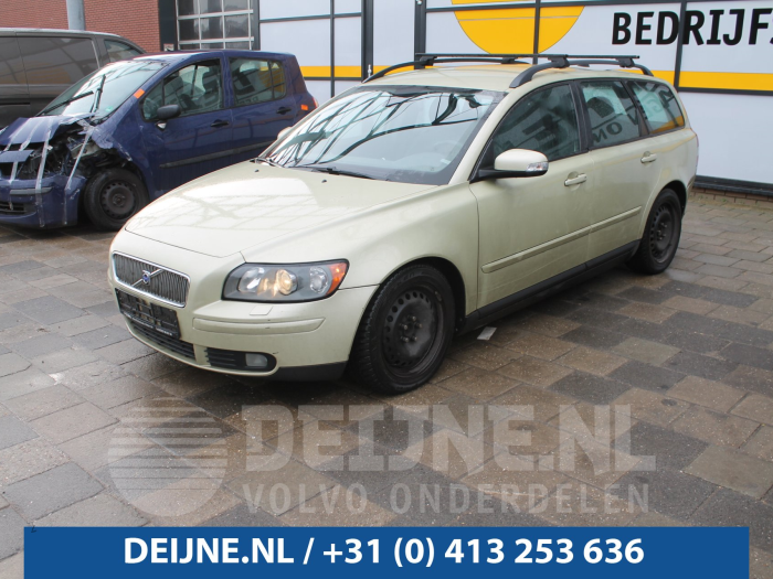 Hoedenplank. - Volvo V50