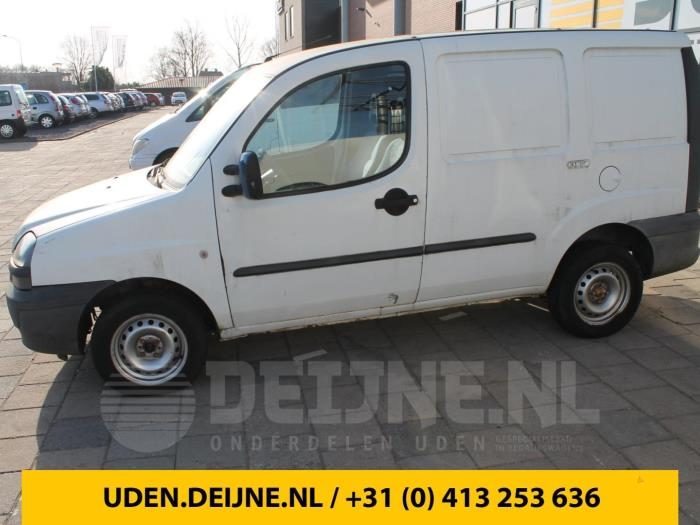 fiat doblo cargo 223 1 9 d sloop bouwjaar 2002 kleur wit. Black Bedroom Furniture Sets. Home Design Ideas