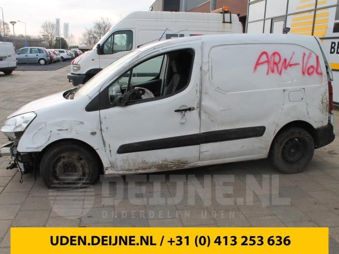 Extra Remlicht midden - Peugeot Partner