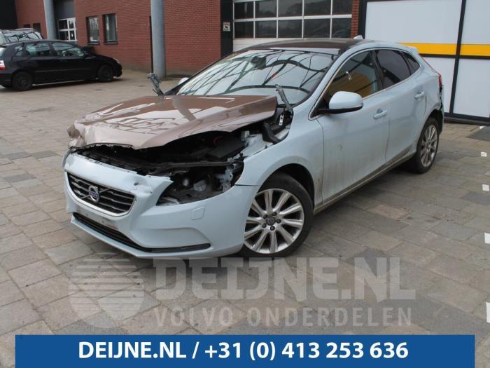 Voetgangers airbag - Volvo V40